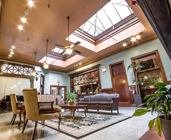 Edgewater Hotel Lounge