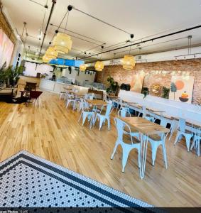 Three Birds Cafe - Interior